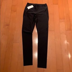 NWT outdoor voices warm up legging charcoal